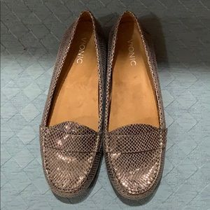 Size 11 Vionic Loafers